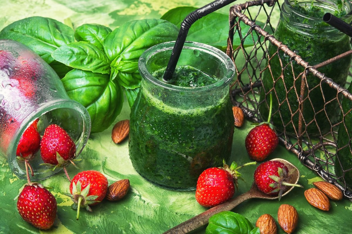 Recipe: CHM's Berry Spinach Smoothie